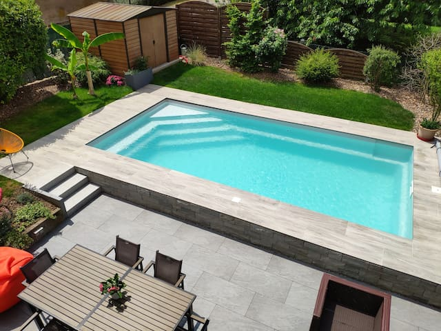 Belle maison avec piscine chauffée