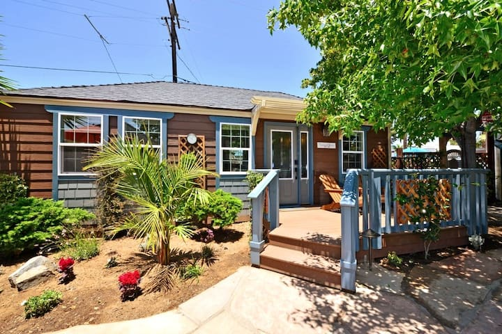 Cottage Hideaway in the Heart of Carlsbad Village