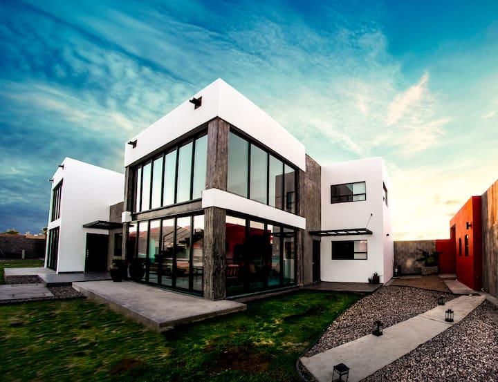YATAY modern and beautifull 4 bedrooms, San Carlos