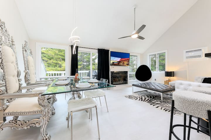 ♕ Exquisite One-of-a-kind 3BDR Condo @ Hilltop