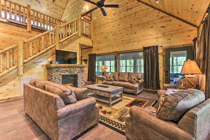 Luxe Smoky Mtn Cabin w/ Game Room, Hot Tub & Pool!