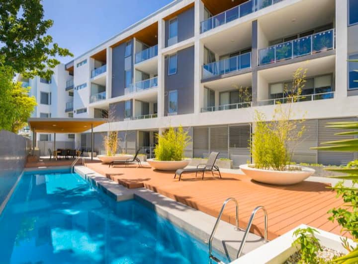 Resort style Perth Stay - Pool/Gym/Parking secure