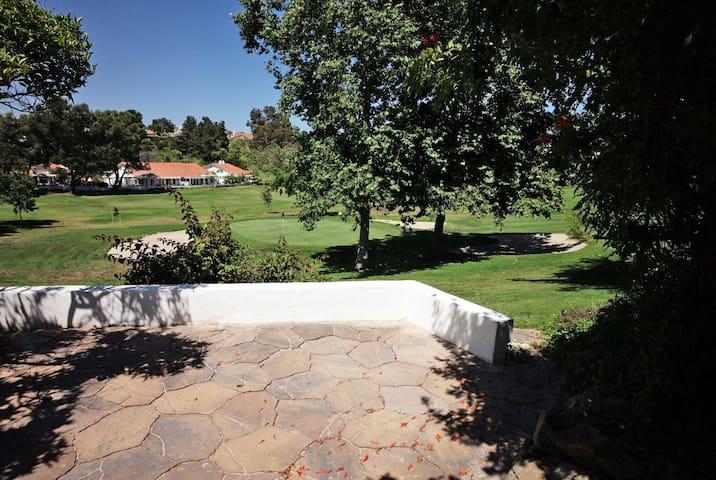 Art and Golf Lovers' Villa in Oceanside, CA