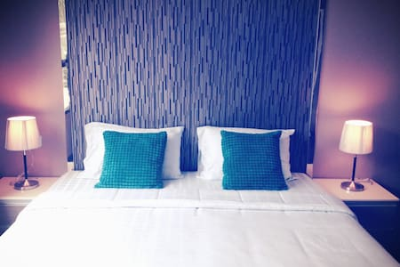 A fully furnished room with kitchen, plus pool&gym