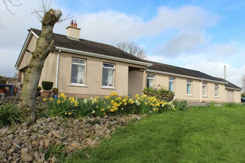 Coolagh Country House 3 double rooms- large groups