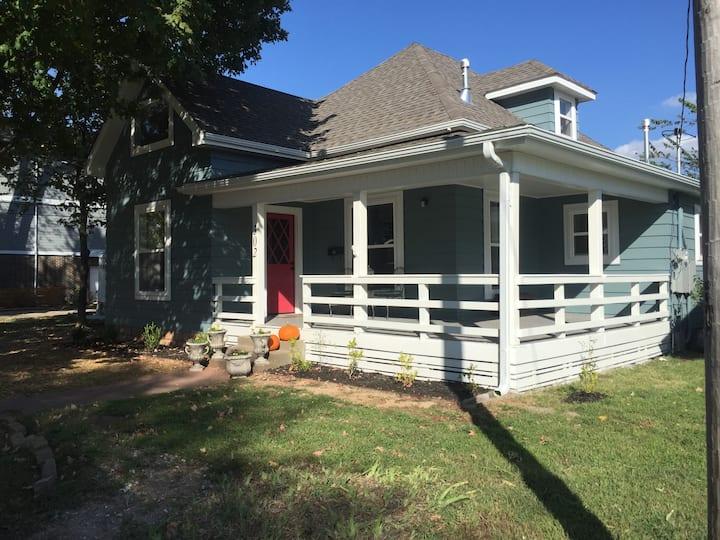 The Harrison House, Bentonville Square 🚴♀️