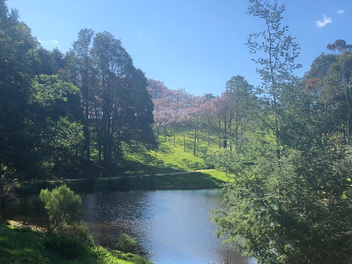 Blooming Valley-hobby farm retreat(West Gippsland)
