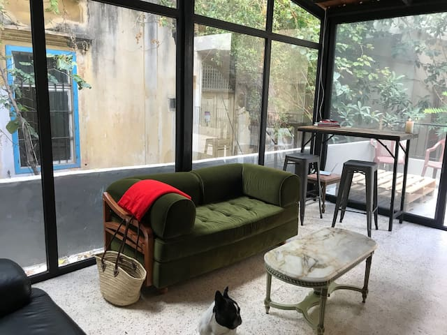 Private bedroom in lovely hidden house -Achrafieh