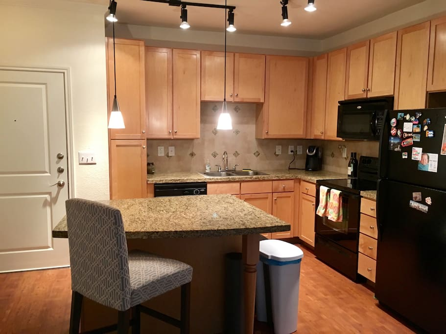 Modern kitchen with excellent appliances including a Keurig machine for your coffee and tea each morning. Expect your favorite beer in the fridge when you book with us!