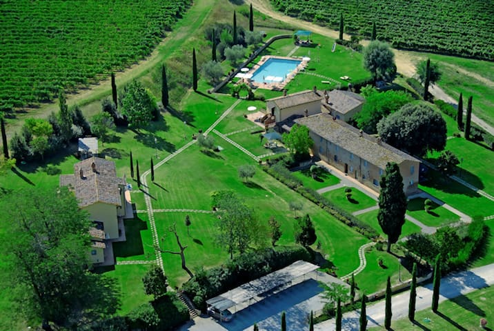 Tuscany Home at Ulivi for 4 to 6
