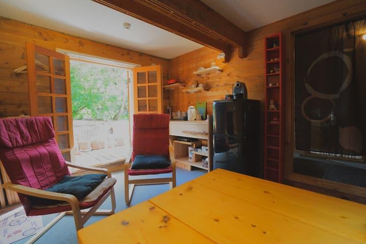 Alpages - 【テラス付きカップルルーム 】 木のぬくもりと自然の中で癒しの空間を楽しむ♪