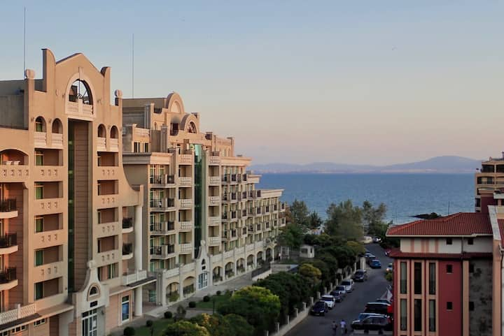 Private Penthouse with Seaview at Sunset Resort