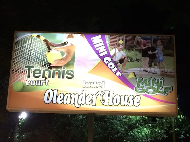 Hotel Oleander House and Tennis Club - Sunny Beach - Bed & Breakfast