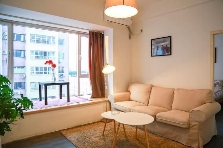 Prime Location 1 BR Apartment