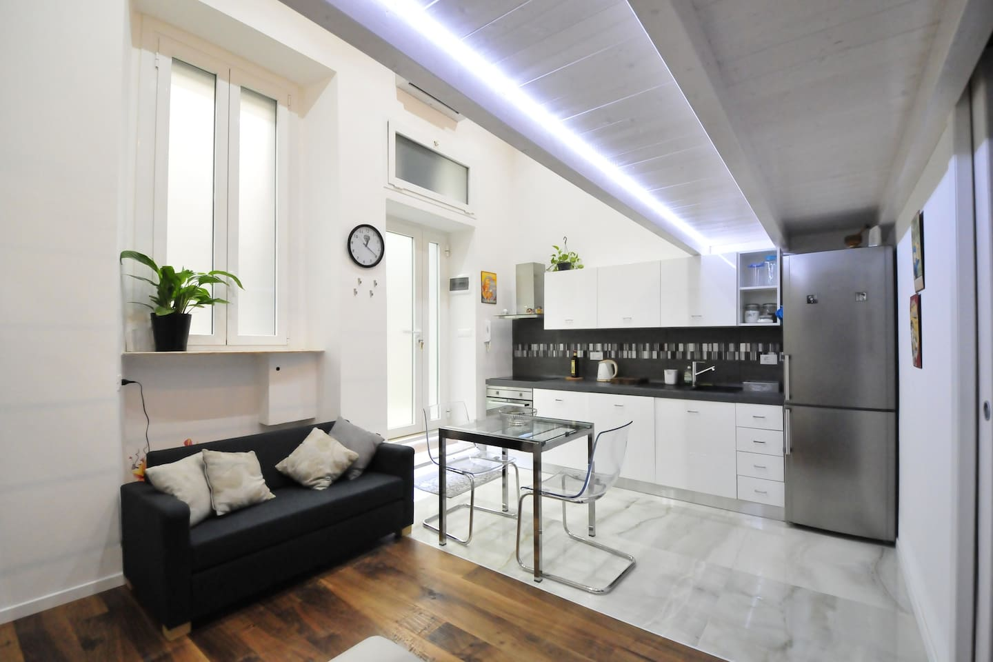 A fully renovated apt, but with all the charm of an ancient court