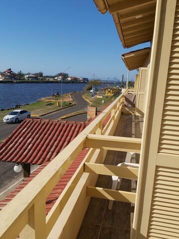 Ap Torres próximo ao Mar