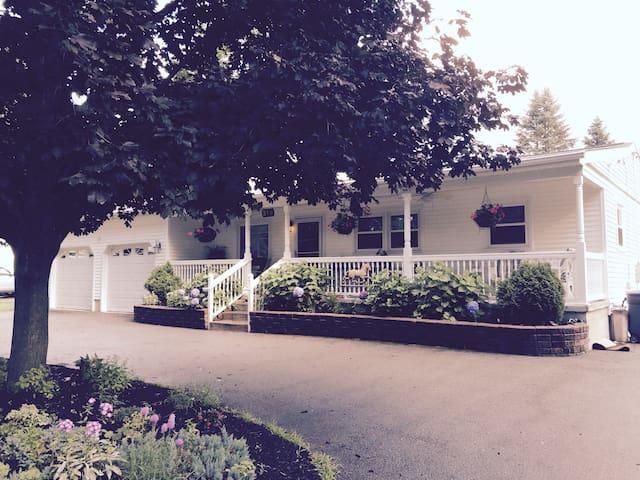 Clean, quiet, private bedrooms - Saratoga Springs - Ev