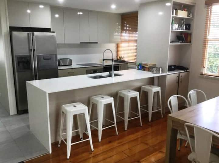 !New Renovated Entire House in Brisbane!