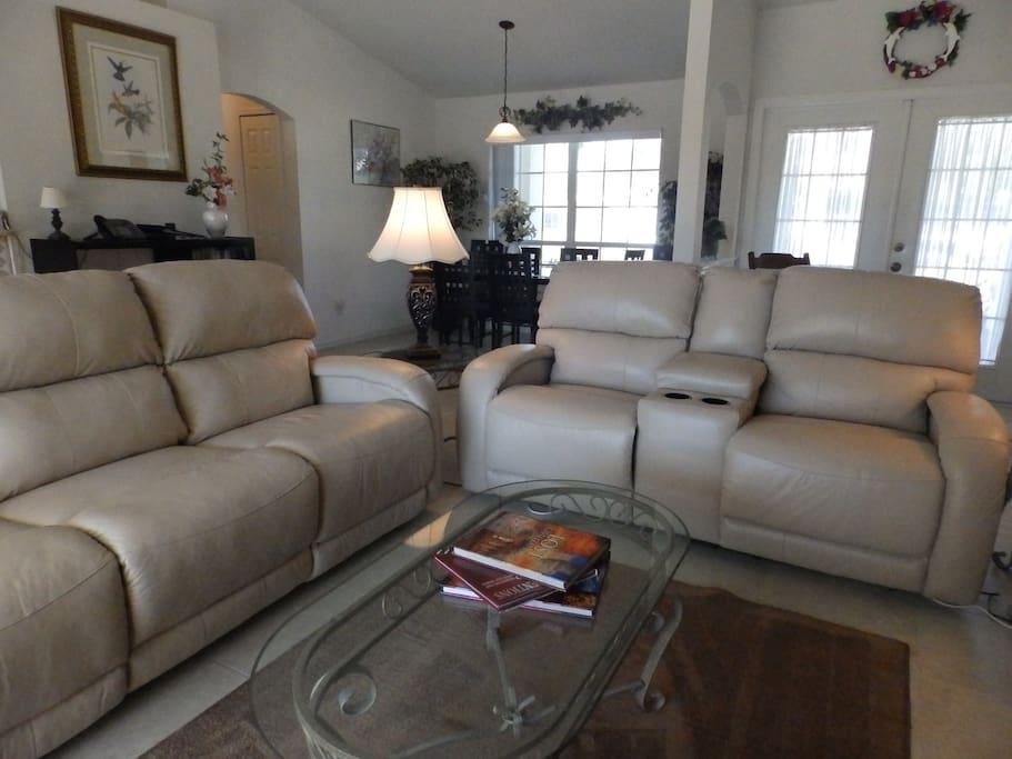 Stylish, comfortable, bright great room