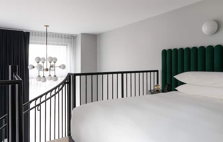 Woodlark, Loft Suite King