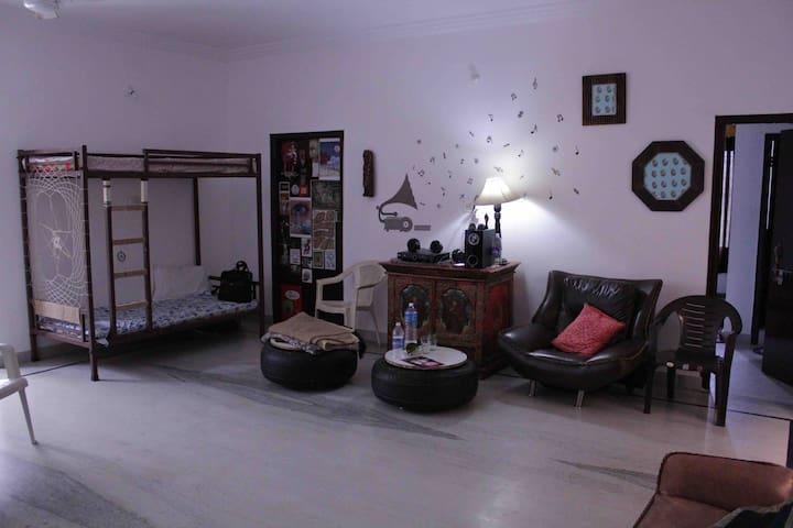 artrush rooms