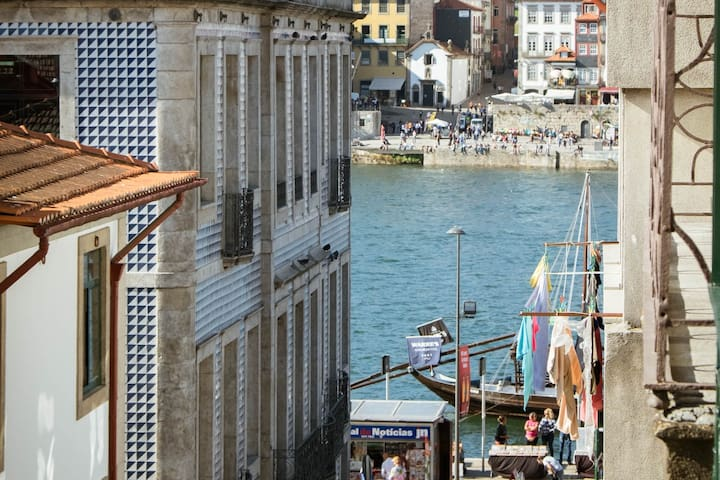 Porto Views and Wines I by Porto City Hosts