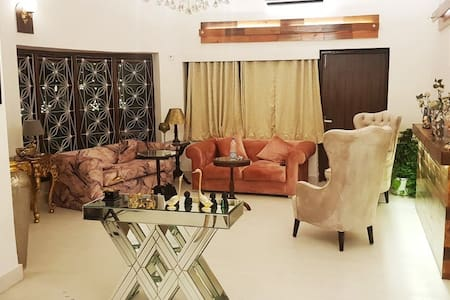 A Plush Villa in Hauz Khas with a Private Lawn