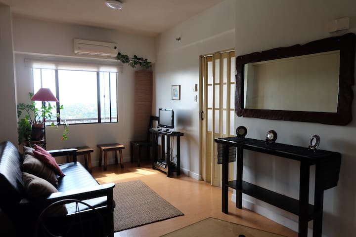 Spacious Studio Unit Eastwood City - Quezon City - Osakehuoneisto