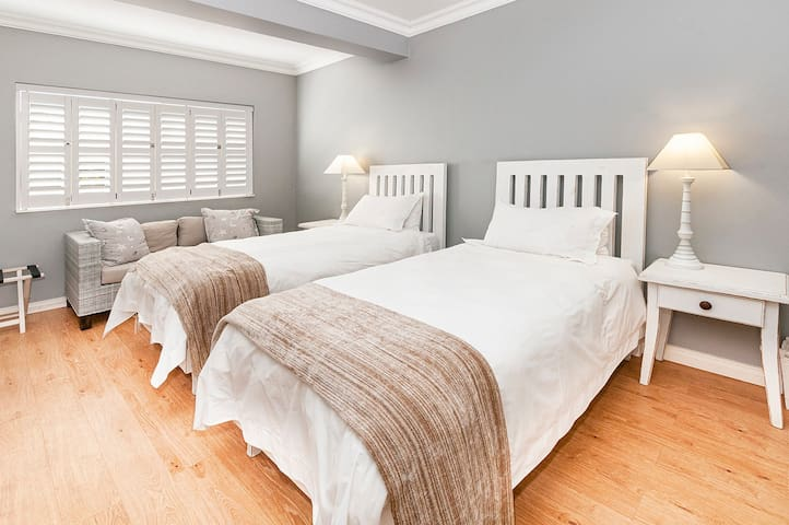 Bedroom 3 - Extra Lenght Single Beds