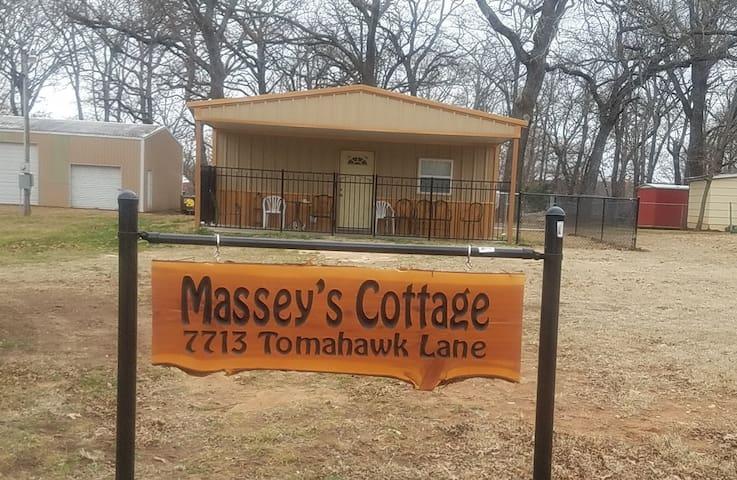 Massey's Cottage on Lake Texoma