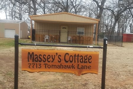 Massey's Cottage on Lake Texoma
