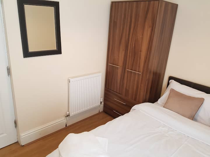 Budget Double 1 - Close to Liverpool City Centre