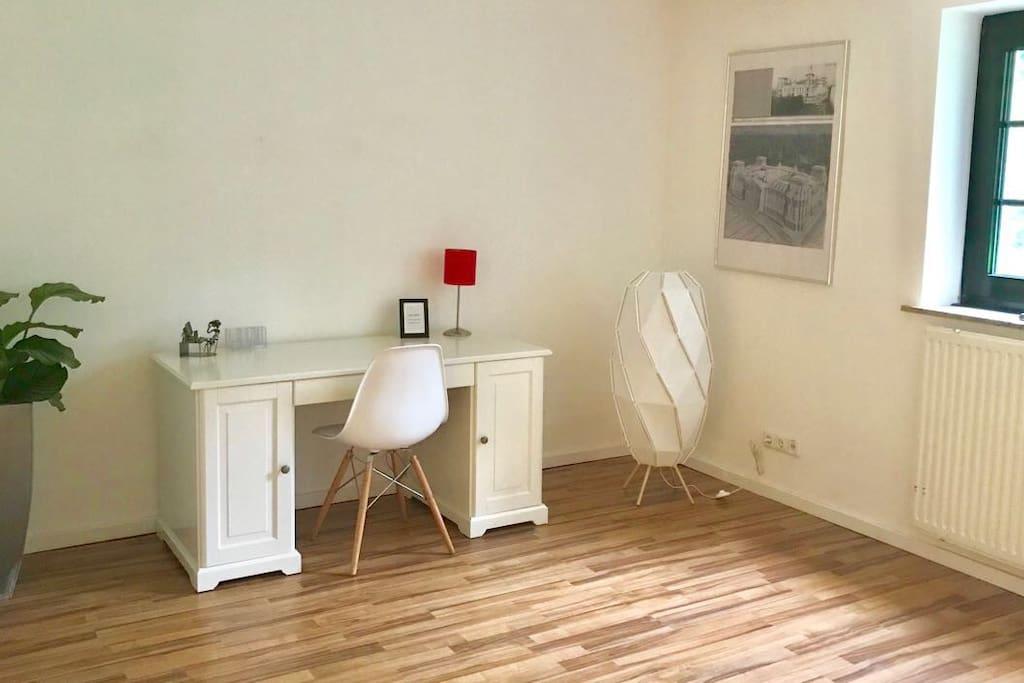 souterrainwohnung mit eigenem eingang g stesuiten zur miete in essen nordrhein westfalen. Black Bedroom Furniture Sets. Home Design Ideas