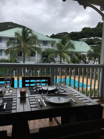 Newly renovated 1 BD at Anse Marcel - MF - Appartement