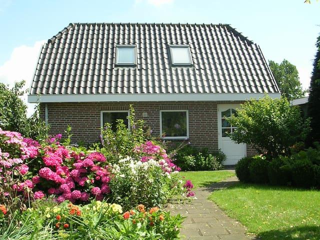 Huisje De Chillp in Heiloo - Dichtbij strand & bos - Heiloo - Sommerhus/hytte