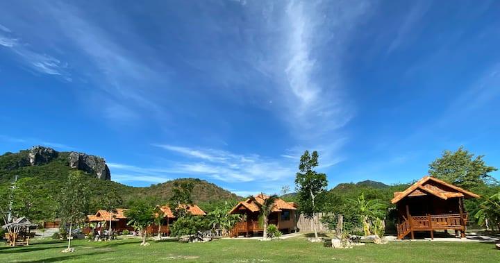 Jing Jo Boutique Bungalows-Mountain Retreat