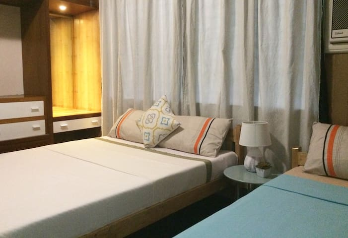 Rm:B- Stylish Room for 3 in Dumaguete