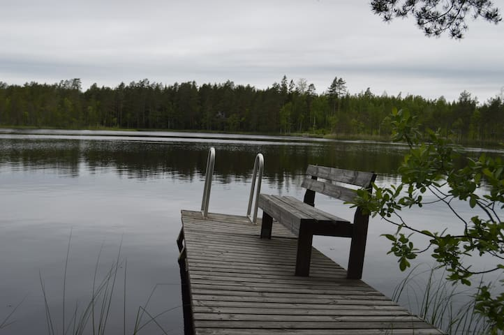 Rauhallinen mökki lähellä Tamperetta