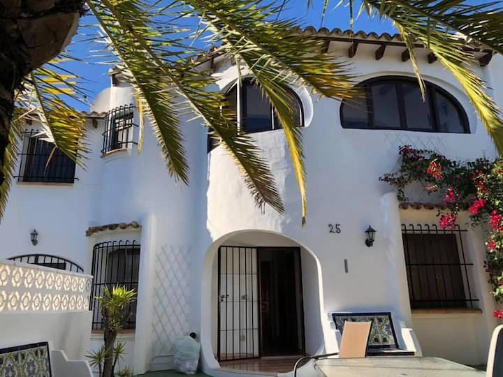 Calpe Spain Homes AT 479048 A