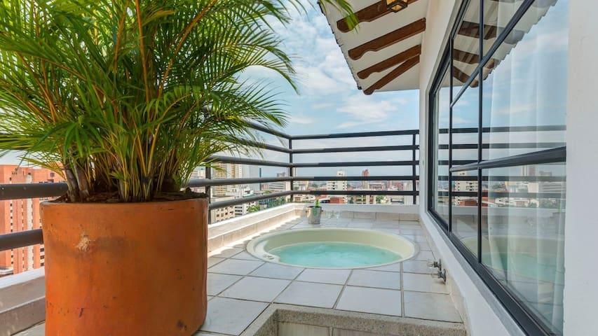Espectacular Apartamento con Jacuzzi y Terraza - Cali - Lägenhet