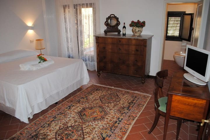 La Casa dei Vezzi -  S.Gimignano- Camera Mariarosa