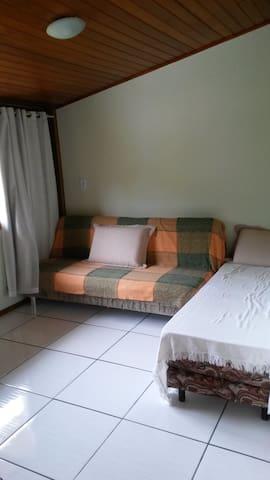 Casa em Bombas para 4 pessoas com conforto - Bombinhas