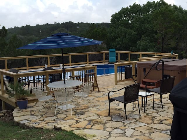 Buttercup Guest House - Pool & Hot Tub - Views - Wimberley - Guesthouse