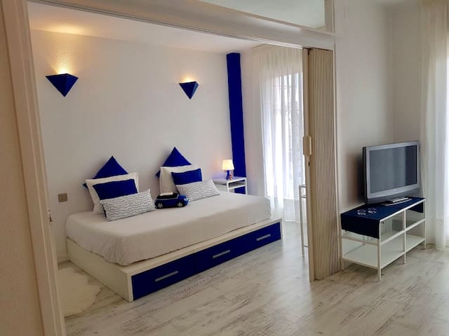 Bright apart Calella for 2-4p near beach with pool