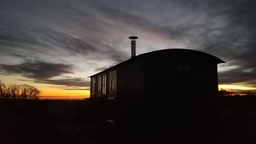 The Milk House Hut: Forest of Dean: