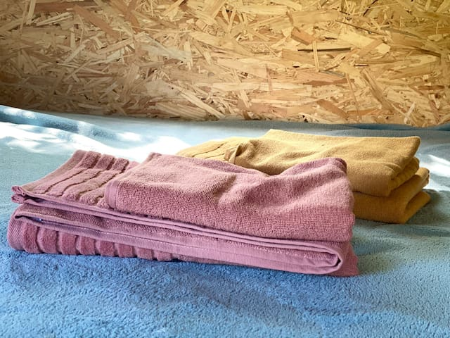 Rene håndklær ligger klare