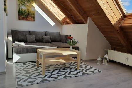 *Neu renovierte und eingerichtete Wohnung*