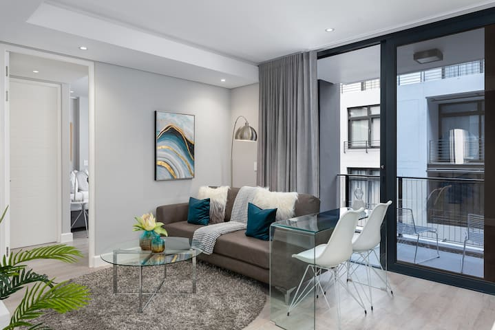 Trendy Green Point Apartment with Balcony & Aircon