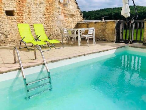 Maison cosy avec piscine en Vallée de La Dordogne