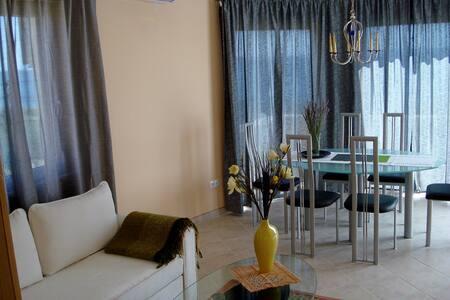 Appartment mit Meerblick - Pakoštane - Apartment